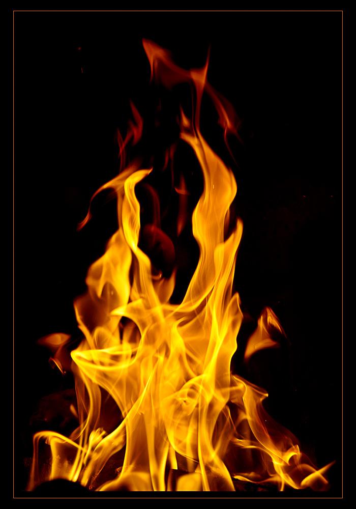 lingue-di-fuoco-aba84696-23ba-4334-99a5-6d9bcb869fc3