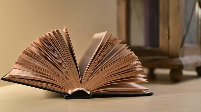 libri-127648.660x368